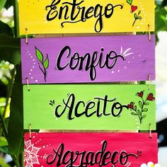 Clay Magnets, Diy Plastic Bottle, Hanging Plates, Lettering Tutorial, Country Art, Hand Embroidery Patterns, Quote Posters, Diy And Crafts, Decoration