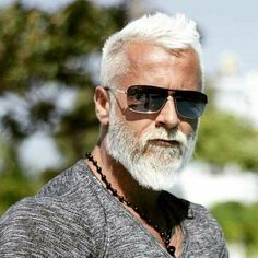 Men's Hairstyles for Gray & Silver Hair – Men Hairstyles World – hairstyles - New Site Silver Fox Hair, Short Silver Hair, Short Grey Hair, Silver Foxes, Thin Hair Haircuts, Girl Haircuts, Haircuts For Men, Haircut Men, Haircut Style