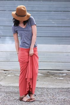 xomrsmeasom xo mrs measom xo, mrs Measom maxi skirt coral casual outfit farmers market outfit spring outfit summer outfit vneck grey sandals leather sandals hat floppy hat fashion comfy outfit