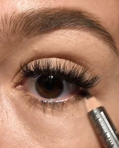 Quick eye makeup tutorial Quick eye makeup tutorial,Make up Related posts:Gutes Layout - alles ist Briefpapier, aber heben Sie den Speicher etwas an, dami. Makeup Eye Looks, Eye Makeup Steps, Eyebrow Makeup, Skin Makeup, Makeup Tips, Makeup Tutorials, Makeup Eyeshadow, 60s Makeup, Makeup Products