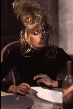 Oh, Patsy.... In this episode, Patsy falls asleep on the table with a cigarette in her mouth and blows up the kitchen! This is Patsy looks like when Eddy and Saffy run to see what happened! I was laughing so hard!!