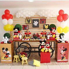 Mickey e minie Theme Mickey, Fiesta Mickey Mouse, Mickey Mouse Clubhouse Birthday Party, Mickey Y Minnie, Mickey Mouse Parties, Mickey Birthday, Mickey Party, Birthday Party Themes, Instagram
