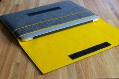 Macbook Air/Pro Case / Macbook Air/Pro Sleeve in Mottled Dark Grey and Various Inner Colours of 100% Wool Felt