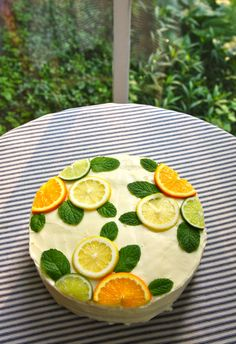 Within 24 hours of joining Pinterest, it happened. A photo of a Stella McCartney-inspired citrus cake (an obvious case of beauty over function) made mefeel grossly inadequate about my life. There …