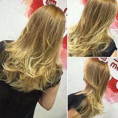 Saçınız size şekil vermesin ! Yaz Mevsimi Mutluluk Mevsimi😉😉 Işıltı balyajımızı denediniz mi ☺️❤️❤️❤️❤️❤️❤️❤️❤️❤️❤️ . . . . . . . . . . . . #turkiye #istanbul #mutluluk #renk #hairstylist #instagram #kuafor #saç #hair #hairstyle #instahair #hairstyles #beautiful #haircolour #haircut #longhairdontcare #kerastase #hairoftheday #çekmeköy #ümraniye #üsküdar #makeup #eyeliner #cosmetics #eyes #lashes #lipstick #eyeshadow #eyebrows #remodelkuafor