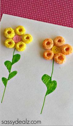 8 Sweet Spring Flower Crafts for Kids: Fruit Loops Flower Craft Flower Crafts Kids, Spring Crafts For Kids, Summer Crafts, Toddler Crafts, Crafts To Do, Easy Crafts, Art For Kids, Easy Diy, Paper Crafts