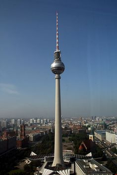 Fernsehturm, Berlijn. #architechture #buildings http://www.pinterest.com/TheHitman14/achitecture-%2B/