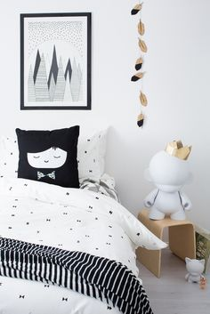 Tiny Little Pads - Interiors for Kids. Black and White Girl's Room! @tinylittlepads #tinylittlepads www.tinylittlepads.com