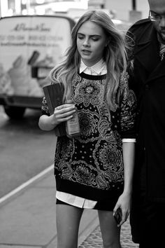cara delevingne style best outfits - Page 5 of 100 - Celebrity Style and Fashion Trends Charlie Barker, Mode Style, Style Me, Trendy Style, Classic Style, Look Fashion, Fashion Beauty, Fashion Fashion, Camisa Oversized
