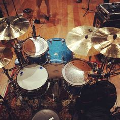 Pantheon Percussion: Adam Shah's killer set up with The Sam Willows