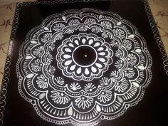 Kolam Rangoli Borders, Rangoli Patterns, Rangoli Border Designs, Kolam Rangoli, Beautiful Rangoli Designs, Kolam Designs, Padi Kolam, Indian Rangoli, Henna Mandala