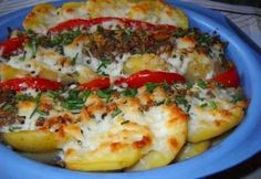 Krumplifelfújt darált hússal és paradicsommal Quiche Muffins, My Recipes, Baked Potato, Bacon, Pork, Appetizers, Potatoes, Salad, Meat