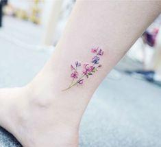 Tatuajes Adorables de la flor - Adorable flower tattoo in ankle - Rizog.com