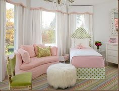 Pink and Green Bedroom ~ adorable room!
