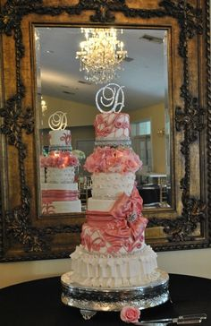 Cake Decorating Classes In Pune : 1000+ images about Romantic wedding cakes with ruffles and ...