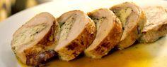 Z krůtího stehna ořežeme maso, očistíme ho od šlach, osolíme a opepříme. Potom si připravíme náplň z mletého masa: libové krůtí prso nakrájíme na... Baked Potato, French Toast, Pork, Potatoes, Treats, Chicken, Baking, Breakfast, Ethnic Recipes