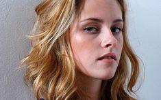 Jak naturalnie podnieść opadającą powiekę? Blonde Hair Pictures, Kristen Stewart Pictures, Kirsten Stewart, Daily Hairstyles, Without Makeup, Hollywood Actresses, American Actress, Serum, Celebrities