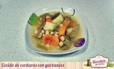 Cocido de verduras con garbanzos -  ¿Por qué será que todas las madres lo primero que nos enseñan a cocinar es un buen cocido de verduras con garbanzos? Bueno, nos enseñan o al menos lo intentan. Hoy os traigo esta receta pero con un pequeño truco: utilizaremos el caldo de pollo congelado de cocidos anteriores y garbanzos ya cocid... - http://www.lasrecetascocina.com/cocido-de-verduras-con-garbanzos/