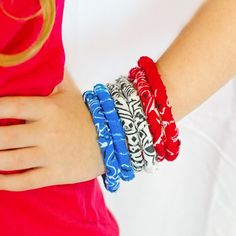 Make these super easy fabric bracelets in just a few short minutes! (perfect quick and easy craft for kids and adults)