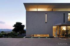 Montrose House by SAOTA