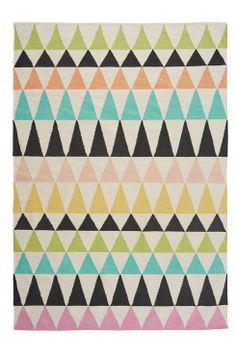 Linie Design Sigve-matto 170 x 240 cm Moderni matto, jossa graafinen kuvio. <br><br>100% puuvillaa<br>Kemiallinen pesu