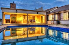 Warm and spacious family home in Glenvista, South Africa, Gauteng