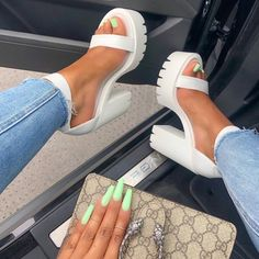 60 Casual Shoes That Look Fantastic Schuhe casual Fantastic Shoes Crazy Shoes, Me Too Shoes, Aesthetic Shoes, Hype Shoes, Fresh Shoes, Cute Heels, Fashion Heels, Look Fashion, Fashion Women