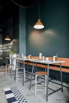 Afbeeldingsresultaat voor restaurant met blauw en cognac kleur