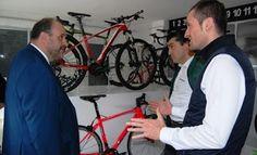 La Junta respaldará proyectos empresariales como Berria Bike, en Ossa de Montiel