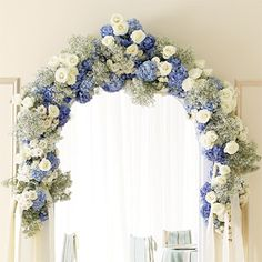 Brides Magazine: Wedding Color Scheme: Blue and Cream with champagne accents is what I want... so PRETTY