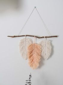 Warm Joy: Wire Feathers on the Wall // inkl. Diy Accessoires, Hanging Mobile, Wire Art, String Art, Cool Diy, Diy Beauty, Dream Catcher, Christmas Diy, Diy And Crafts