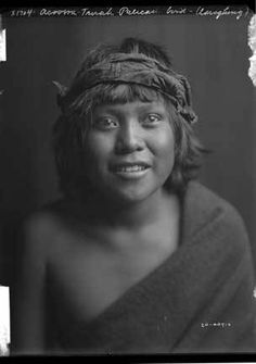 Acoowa-Tsirah or Pelican Bird Laughing, San Ildefonso Pueblo, New Mexico, ca. 1905, by Edward S. Curtis. Palace of the Governors Photo Archives 143728.
