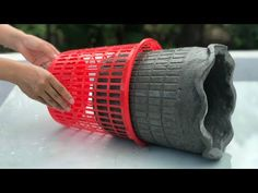 Creative And Simple - Unique And Beautiful Products Made From Cement - YouTube Diy Cement Planters, Cement Flower Pots, Cement Art, Concrete Art, Concrete Garden, Diy Home Crafts, Garden Crafts, Diy Craft Projects, Restaurant Exterior Design