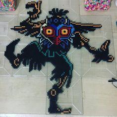 Skull kid from LoZ: Majora's Mask Pixel Art Templates, Perler Bead Templates, Pearler Bead Patterns, Perler Patterns, Pokemon Perler Beads, Diy Perler Beads, Perler Bead Art, Pixel Art Objet, Link Pixel Art