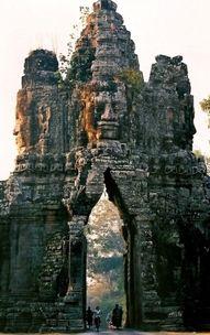 The gate of Angkor Thom, Siem Reap, Cambodia----porthole