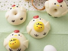 母雞帶小雞-《造型饅頭》 Japan Dessert, Kawaii Dessert, Cute Snacks, Cute Food, Donut World, Galaxy Crafts, Pineapple Cookies, Creative Food Art, Cute Buns