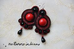soutache earrings with coral and onix