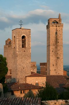 Medieval towers of San Gimignano, Italy                                                                                                                                                                                 Plus