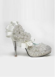 Custom-made Elegant Soft Leather White Upper Stiletto Heel Closed Toe With Pearls Wedding Shoes