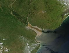 Río de la Plata - where the currents of the Parana River meat the tides do the Atlantic.