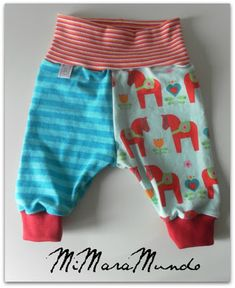 La Pantigana: PANTALONES... SEMANA DEL BEBÉ (I) Sewing Kids Clothes, Baby Clothes Patterns, Kids Patterns, Sewing For Kids, Doll Clothes, Toddler Fashion, Kids Fashion, Diy Vetement, Baby Sewing Projects