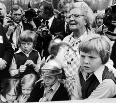Prinses Juliana met haar Kleinkinderen (NL)