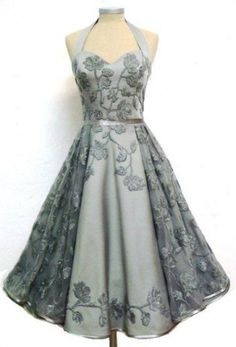 Thirty-Four Stunning Vintage Dresses You Are Going to Want in Your Closet