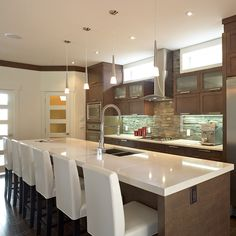 how much does it cost to get an architect Modern Kitchen Ovens, Updated Kitchen, New Kitchen, Kitchen Dining, Kitchen Upgrades, Beautiful Kitchens, Kitchen Interior, Kitchen Remodel, Sweet Home