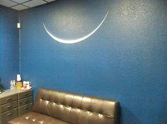 """""""Luna menguante"""" mural, by Erick P. Hinojosa"""