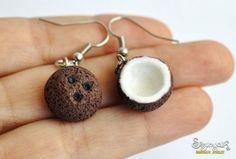 Coconuts Earrings - Gifts for her Coconut earrings van Sisunyak op Etsy . Cute Polymer Clay, Polymer Clay Charms, Polymer Clay Jewelry, Diy Clay Earrings, Funky Earrings, Weird Jewelry, Cute Jewelry, Coconut Earrings, Accesorios Casual