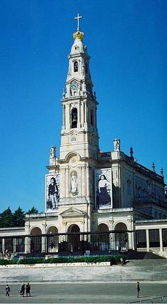 Sanctuary of Our Lady of Fatima, Portugal, bearing the images of Francisco and Jacinta Marto.