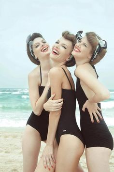 ∴ Trios ∴ the three graces & groups of 3 in art and photos - 1950's bathing beauties