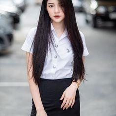 I am not perfect. But at least I am real. University Girl, School Girl Japan, Student Fashion, Cute Beauty, Cute Asian Girls, Beautiful Asian Women, Ulzzang Girl, Asian Woman, Asian Beauty