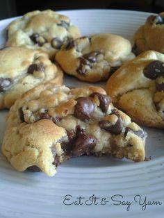 Soft & Gooey Chocolate Chip Cookies